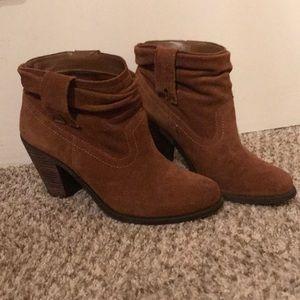 Jessica Simpson size 8 suede leather bootie heels